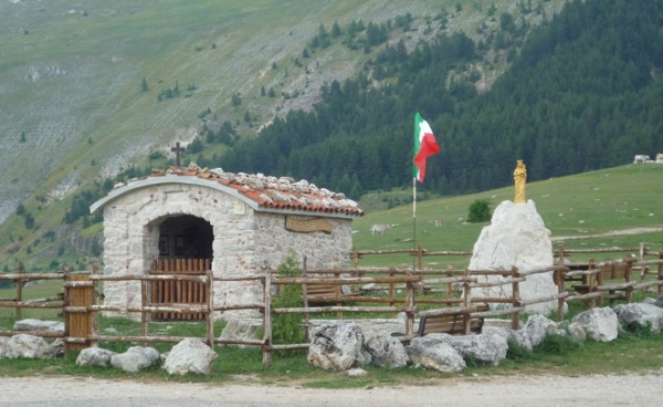 In the remote Gran Sasso, a tiny roadside chapel